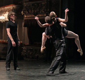 HSDC dancers Jesse Bechard & Penny Saunders w/ Nacho Duato.  Photo by Igor Larin.  