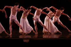 Joffrey Ballet dancers in Edwaard Liang's